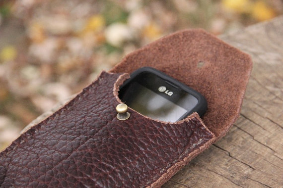 The Halbert, phone case, leather case, leather phone case, ipod case, smart phone case, leather, buffalo, buffalo leather, brown case, phone, handmade, ike's outfitters, cool case, belt pouch, belt case, belt phone, belt phone case, horse riders, outdoorsman, accessories